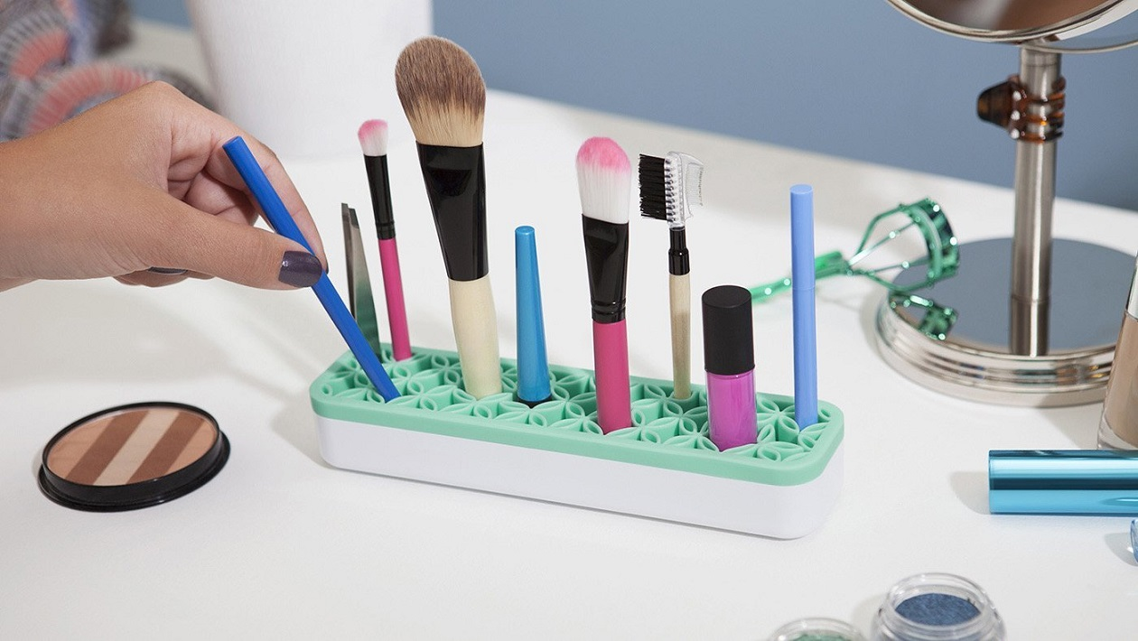 Charmant Stylish Storage Solutions For Your Beauty Tools Picture