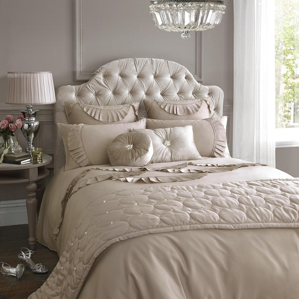 How-to-Design-a-Luxurious-Bedroom-Picture